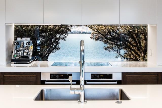 mutfak tezgah arası cam panel kaplama